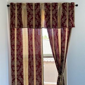 Gold/Red Textured Jacquard Floral Curtain Panel